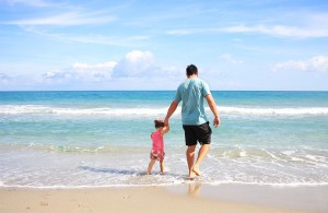 father_daughter_beach